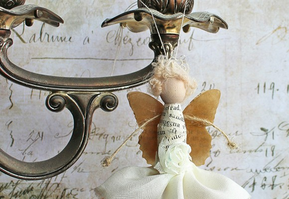Guest Project by Paperiliitin:  Tiny Art Doll